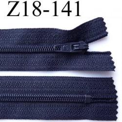 fermeture zip de marque longueur 18 cm  couleur bleu marine foncé largeur 2.5 cm  non séparable  glissière nylon largeur 4 mm