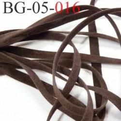 galon ruban lacette à plat  façon cuir ou daim  agréable au touché et souple largeur 5 mm couleur marron foncé  prix au mètre