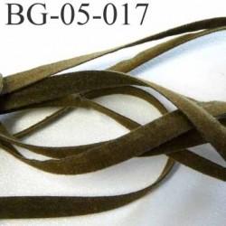galon ruban lacette à plat  façon cuir ou daim  agréable au touché et souple largeur 5 mm couleur vert kaki  prix au mètre