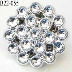 bouton strass brillant  en pvc diamètre 22 mm accroche avec un anneau au dos