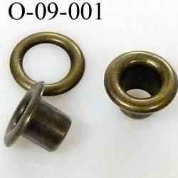Oeillet  haut de gamme en métal couleur  laiton  diamètre intérieur 4 mm extérieur 9 mm hauteur  5.9 mm prix à la pièce