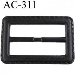 Boucle façon cuir couleur noir  largeur extérieur 66 mm hauteur 44 mm largeur intér 50 mm épaisseur 6 mm prix à la pièce