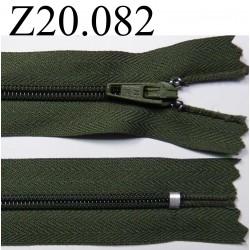fermeture éclair longueur 20 cm couleur vert non séparable zip nylon largeur 2,5 cm