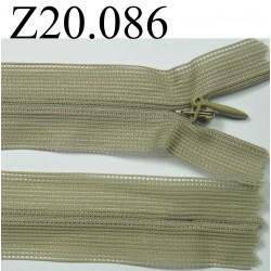 fermeture éclair invisible longueur 20 cm couleur vert kaki non séparable zip nylon largeur 2,5 cm