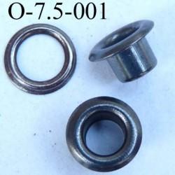 Oeillet en métal couleur acier  diamètre extérieur 7.5 mm diamètre intérieur 4 mm hauteur 4.4 mm
