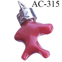 Pendentif en pvc et métal chromé siglé CL CHRISTIAN LACROIX collector montée sur  anneau hauteur 35 mm largeur 25 mm