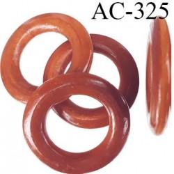 Anneau en bois vernis couleur caramel diamètre extérieur 48 mm diamètre intérieur 27 mm épaisseur 7 mm
