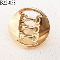 Bouton en  métal doré cuivré provient d'une créatrice parisienne vraiment superbe décor style lacet diamètre 22 mm