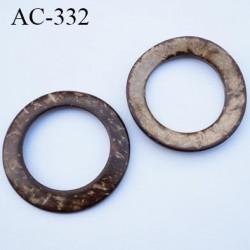 Anneau coco  vernis couleur marron et beige marbré diamètre extérieur 50 mm diamètre intérieur 35 mm épaisseur 3 mm