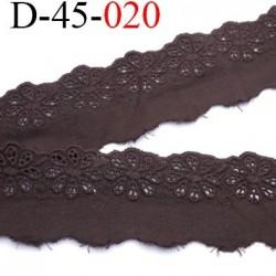 dentelle  largeur 45 mm anglaise broderie 100 % coton couleur marron  prix au mètre