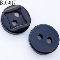 bouton diamètre 10 millimètres couleur noir 2 trous décor carré incrusté diamètre 10 mm