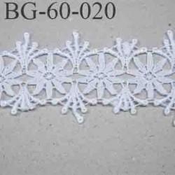 Gallon brodé 60 mm motif fleur couleur blanc largeur 60 mm