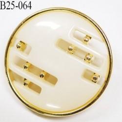 bouton 25 mm en pvc couleur or ou doré et nacre ou ivoire très beau accroche par anneau diamètre 25 millimètres