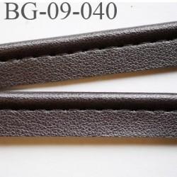 passe poil 9 mm  galon façon cuir doux très agréable au touché largeur 9 mm couleur marron foncé anthracite  prix au mètre