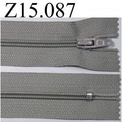 fermeture longueur 15 cm couleur gris  non séparable zip nylon largeur 2,5 cm