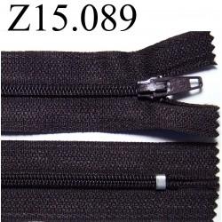 fermeture longueur 15 cm couleur  marron très foncé   non séparable zip nylon largeur 2,5 cm