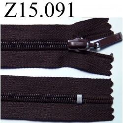 fermeture longueur 15 cm couleur  marron foncé non séparable zip nylon largeur 3 cm ,largeur du zip 5 mm