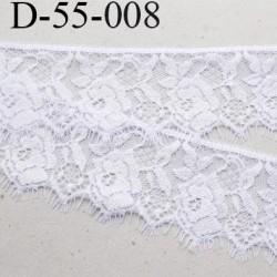 Dentelle 55 mm blanche  synthétique  couleur blanc lumineux motif fleur largeur 55 mm prix au mètre