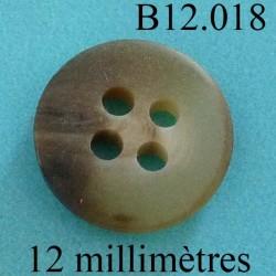 bouton 12 mm   couleur marron marbré mat des 2 faces 4 trous diamètre 12 millimètres