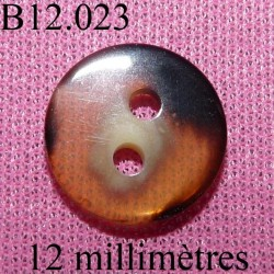 bouton 12 mm   couleur marron clair blanc et noir  brillant sur les 2 faces 2 trous diamètre 12 millimètres