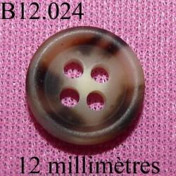 bouton 12 mm   couleur marron marbré mat sur les 2 faces 4 trous diamètre 12 millimètres