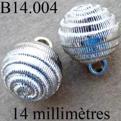 bouton 14 mm   couleur chromé accroche avec un anneau au dos 14 millimètres