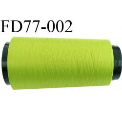 Destockage Cone 2000 m de fil mousse  polyester  fil n° 165 couleur vert anis  longueur 2000 mètres bobiné en France