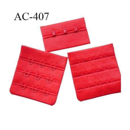 Agrafe attache 55 mm  de soutien gorge 3 rangés 3 crochets largeur 51 mm hauteur 53 mm couleur rouge vif