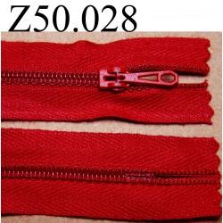 fermeture éclair longueur 50 cm couleur rouge non séparable zip nylon largeur 2.5 cm