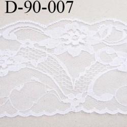 Dentelle 95 mm synthétique couleur blanc motif fleur