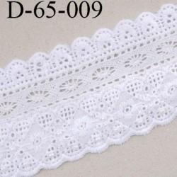 dentelle crochet 65 mm coton largeur 65 mm couleur blanc avec bande ecru de 15 mm et petites perles vendue au mètre