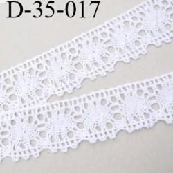 dentelle crochet ancienne en coton largeur 35 mm couleur blanc provient d'une vieille mercerie parisienne vendue au mètre