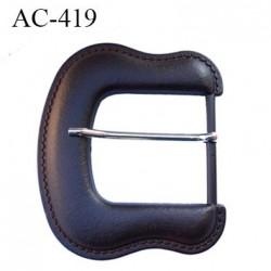 Boucle 11 cm façon cuir couleur marron avec ardillon hauteur 115 mm largeur 110 mm