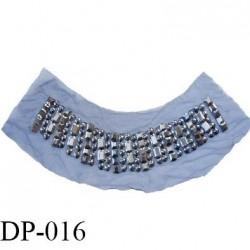 Destockage devant plastron 11.5 cm couleur noir avec strass défaut d'aspect hauteur 11.5 cm largeur 43.5 cm