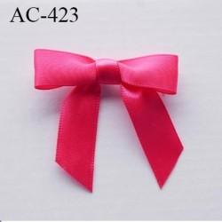 Nœud satin hauteur 45 mm largeur 45 mm couleur rose prix à la pièce