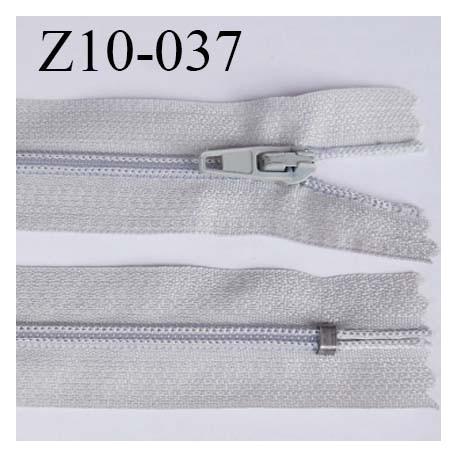 fermeture zip longueur 10 cm couleur gris clair non séparable largeur 2.4 cm glissière nylon largeur  4 mm