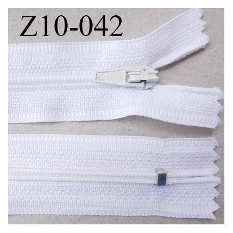fermeture zip longueur 10 cm couleur blanc non séparable largeur 2.4 cm glissière nylon largeur  4 mm