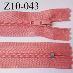 fermeture zip longueur 10 cm couleur corail non séparable largeur 2.4 cm glissière nylon largeur  4 mm