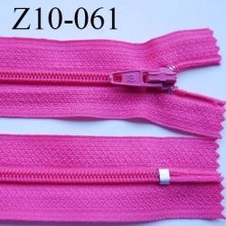 fermeture zip longueur 10 cm fushia non séparable largeur 2.4 cm glissière nylon largeur  4 mm