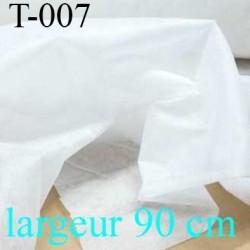 tissus  thermocollant épaisseur léger couleur blanc largeur 90 cm prix au mètre