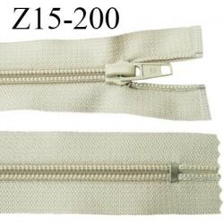 fermeture 15 cm zip  couleur beige non séparable largeur 3 cm  glissière spiralé nylon largeur 6.6 mm longueur 15 centimètres