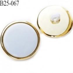 bouton 25 mm en pvc couleur or ou doré et blanc très beau accroche par anneau diamètre 25 millimètres