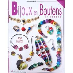 bijoux en boutons et perles