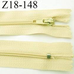fermeture zip longueur 18 cm jaune pale non séparable largeur 2.4 cm glissière nylon largeur  4 mm