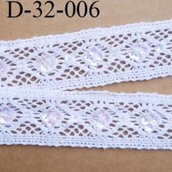 dentelle 32 mm crochet ancienne en coton largeur 30 mm couleur blanc  avec des sequins  prix au mètre