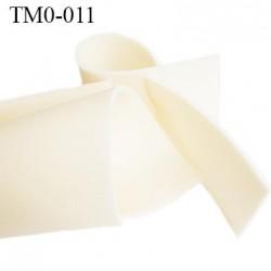 mousse de coque de sg lingerie très haut de gamme couleur crème clair largeur 145 cm épaisseur 3 mm  prix pour 10 cm par 145 cm