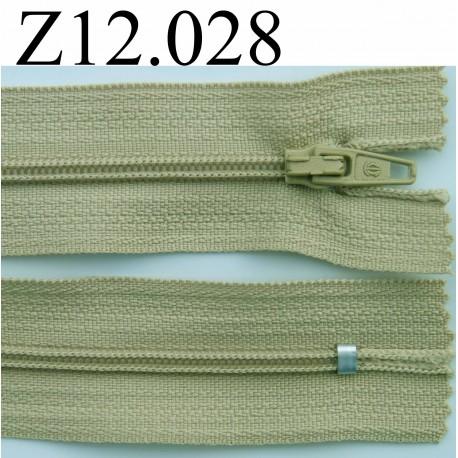 fermeture clair longueur 12 cm couleur vert kaki clair non s parable zip nylon mercerie extra. Black Bedroom Furniture Sets. Home Design Ideas