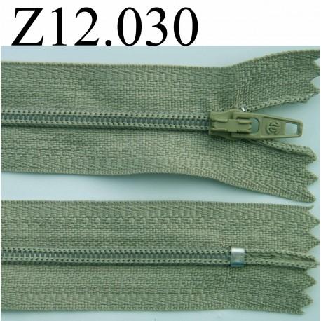 fermeture zip glissi re longueur 12 cm couleur vert kaki clair non s parable zip nylon. Black Bedroom Furniture Sets. Home Design Ideas