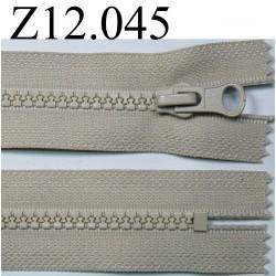 fermeture longueur 12 cm couleur beige non séparable  zip nylon largeur 3,3 cm largeur du zip 5,5 mm