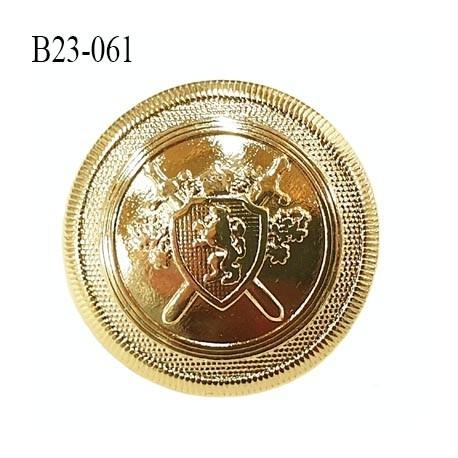 bouton haut de gamme 23 mm en métal doré clair motif armoiries accroche avec un anneau diamètre 23 millimètres